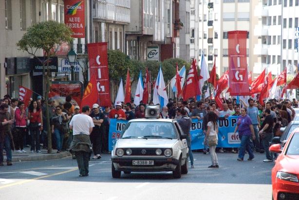Movilización ao paso polas diferentes rúas da cidade compostelá